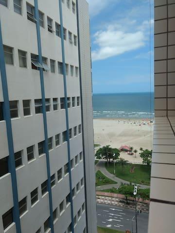São Vicente - Itararé frente praia/ 1 dorm, 1 vaga
