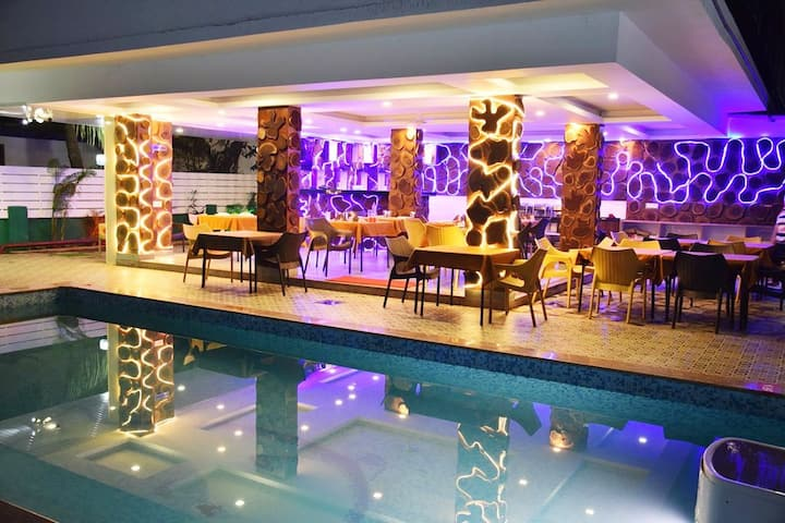 Golden Room With Pool 2Min Ride Candolim Beach DFR