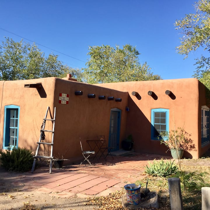 2 Bedroom historic casita in North Valley