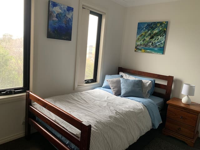 Comfy king single bed