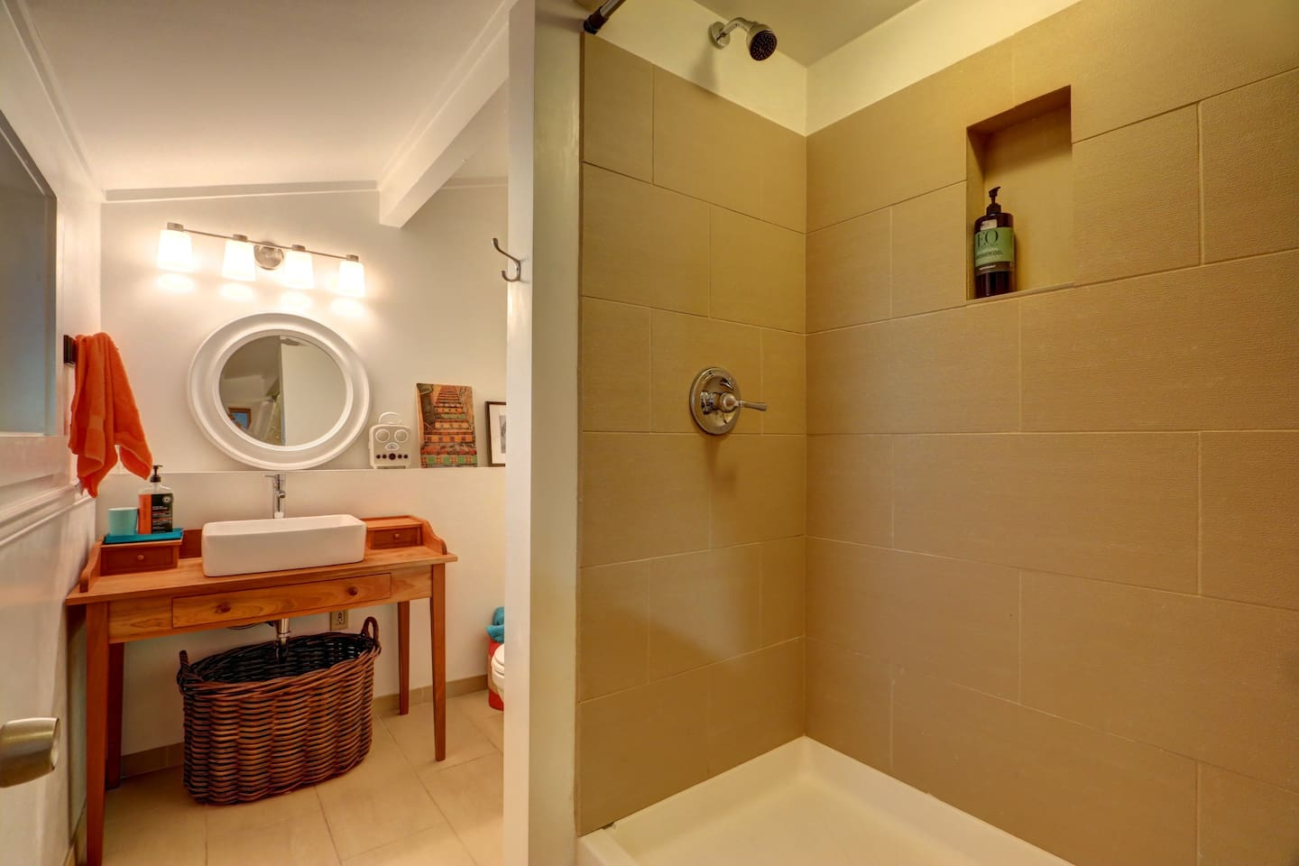 private west seattle guest cottage guesthouses for rent in seattle