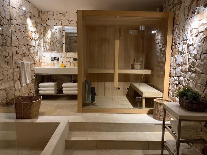Ostuni Trulli Magnifique with Norwegian sauna!