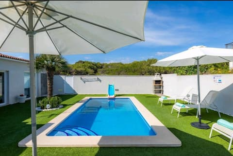 Oceanside Pool Villa