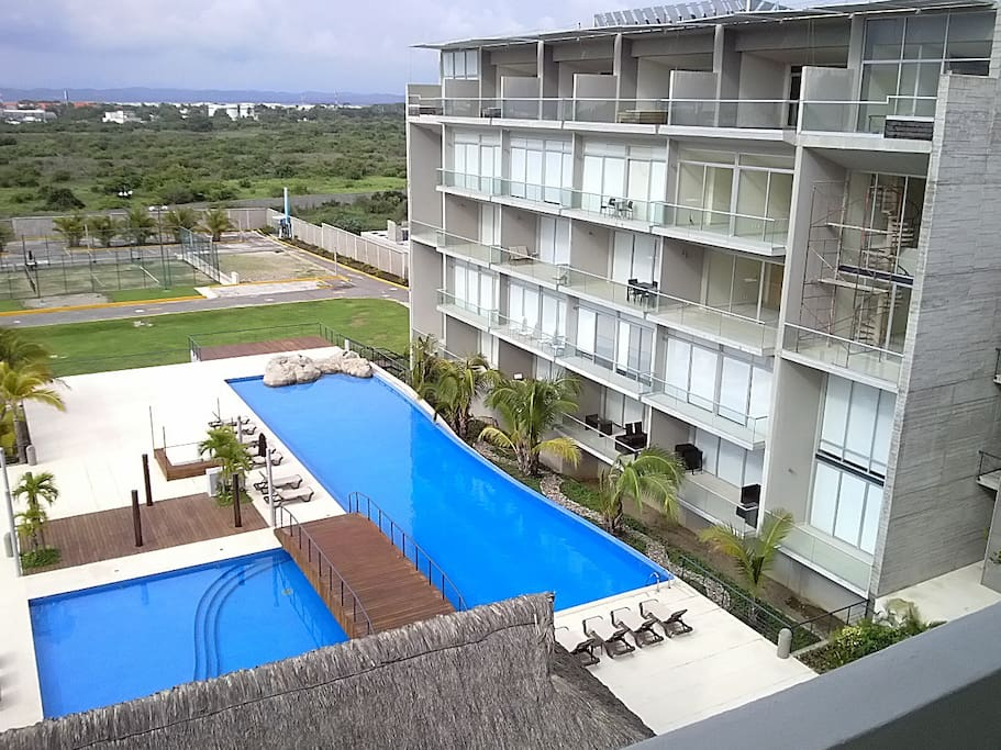 Pools and tennis court. A lot of space!