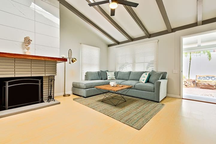 Beach Bungalow #2+AC,Blocks 2 LaJolla Shores Beach
