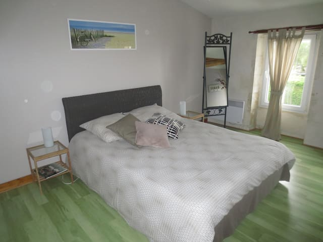 Chambre dans maison charentaise - Le Chay - Bed & Breakfast
