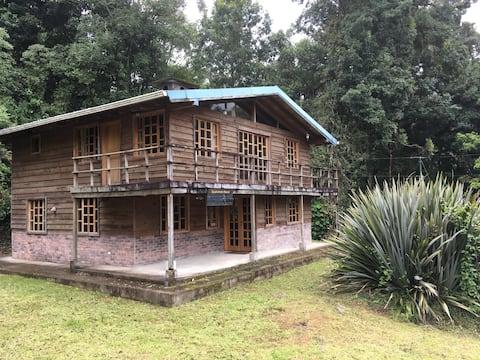 Quanstrom House Valley Lodge- San Gerardo de Dota