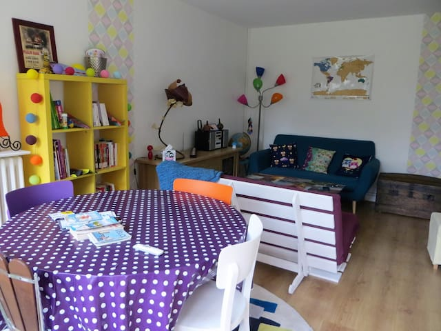Appartement coloré proche parcs 2/4 PERS - parking - La Rochelle - Apartment