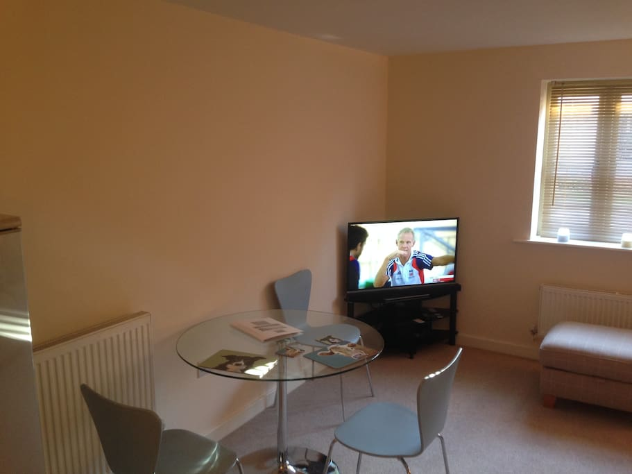 Dining area with catch-up TV, wifi and bluetooth soundbar