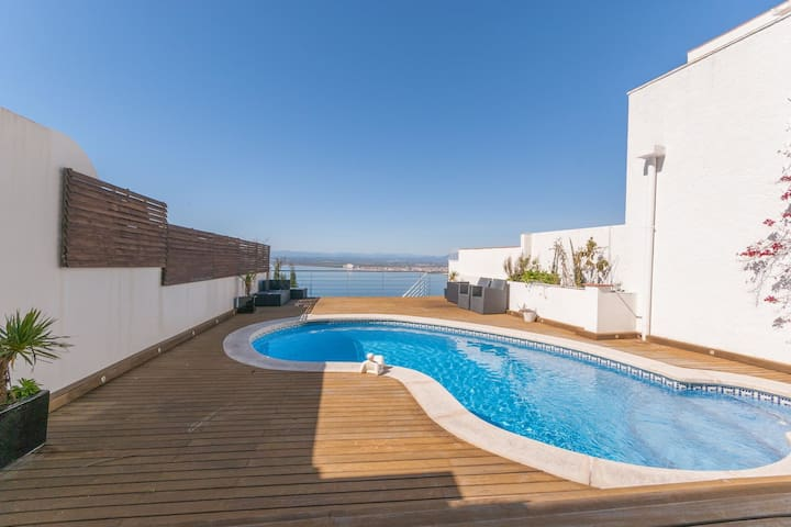 Villa for 4 persons in Roses with private pool overlooking the Bay of Roses