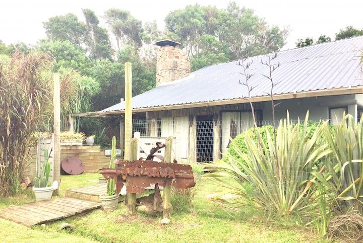 Casa Bawa Con tina Climatizada ,a 200 mts del mar