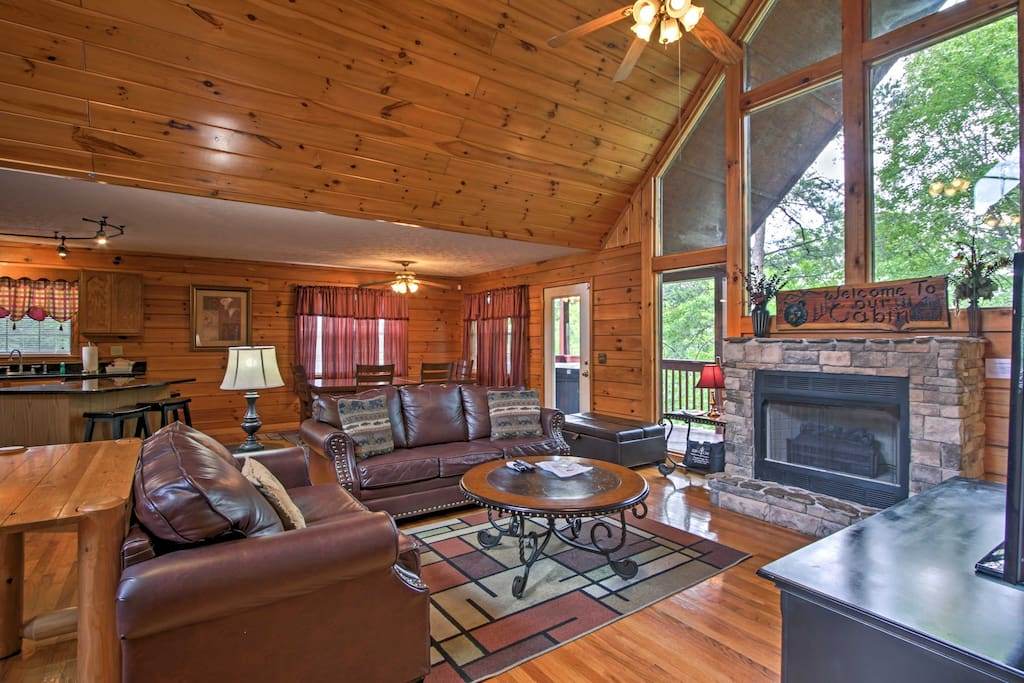 Return to this rustic, comfortable cabin after a long day outside!