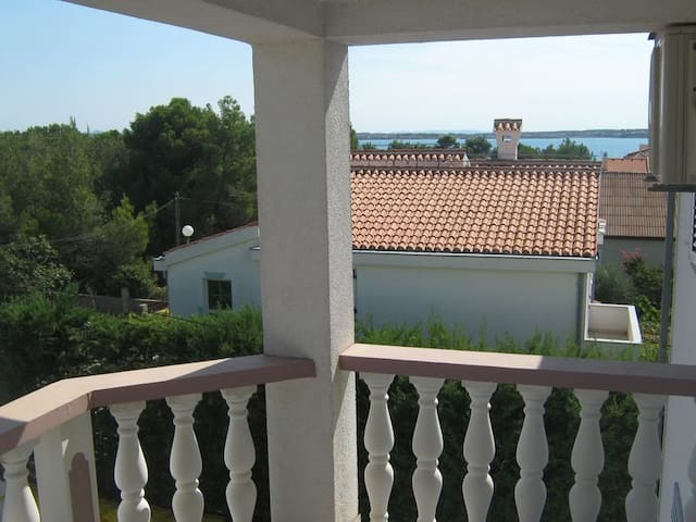 Apartment,2+2, near the beach - Vrsi - Apartment