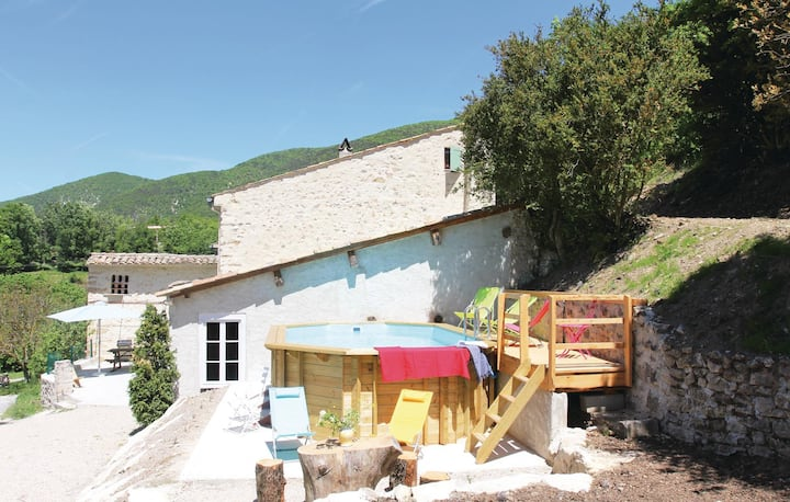 Nice home in Montjoux with WiFi and 3 Bedrooms