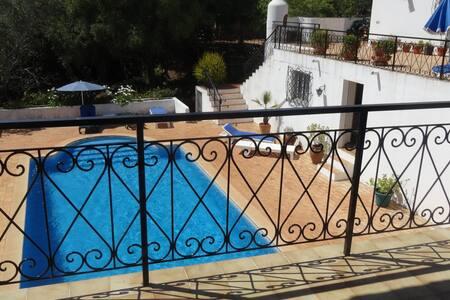 Spacious villa with private pool - S Brás de Alportel