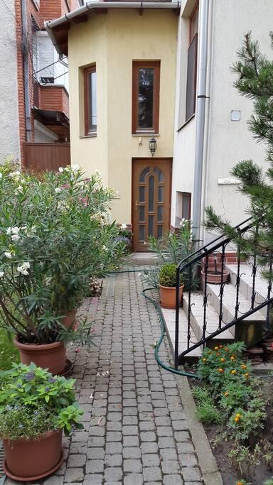 bejárat lépcsőház