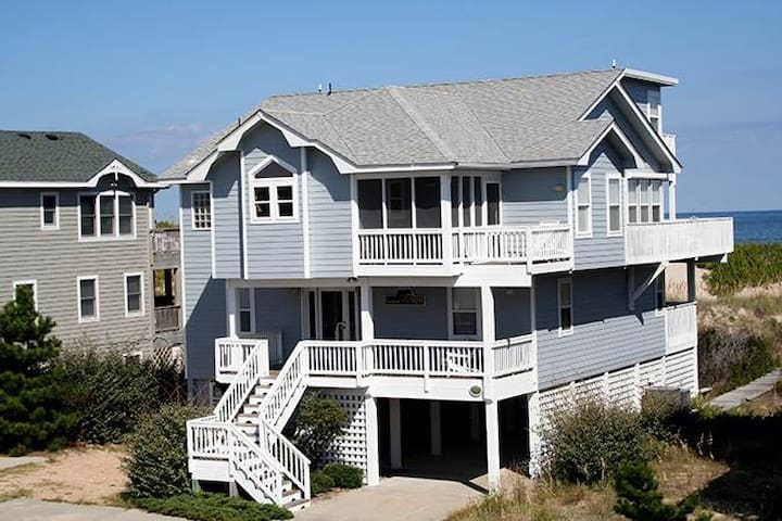 #OL1: OCEANFRONT in Corolla w/Hot Tub, RecRm & Outdoor Com.Pool