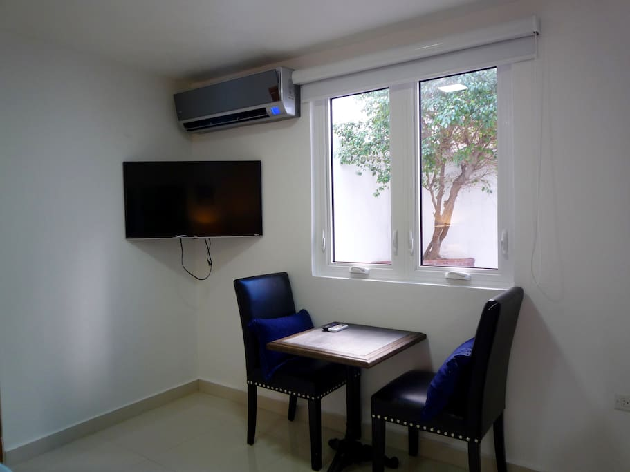 Seating area with SmartTV and AC