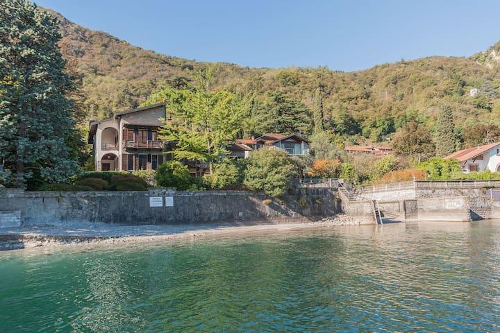 Villa Il Cigno lakeside