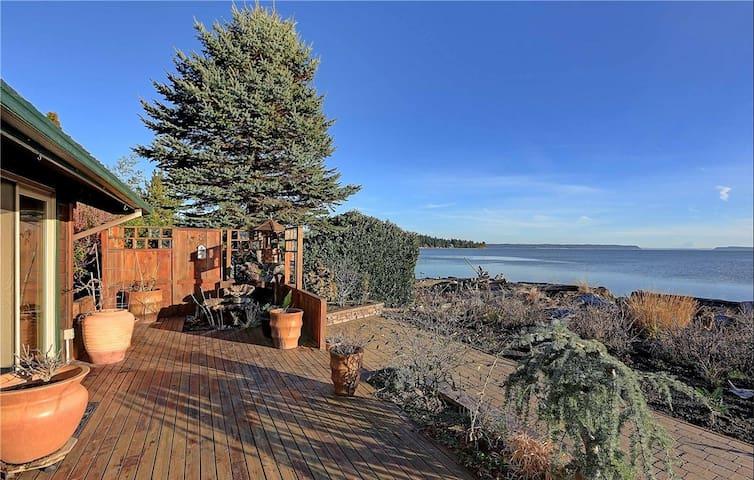 Camano Island Beach Cabin