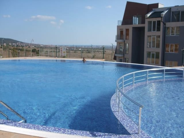 One Bedroom  apartment in the gated Sunset Complex - Kosharitsa - Flat
