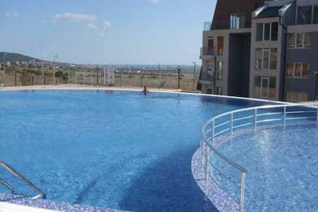 One Bedroom  apartment in the gated Sunset Complex - Kosharitsa