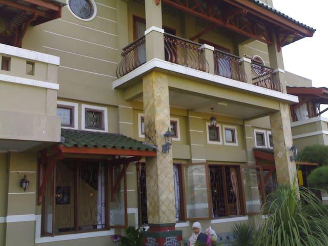 Guesthouse Sederhana - Cileunyi - Rumah