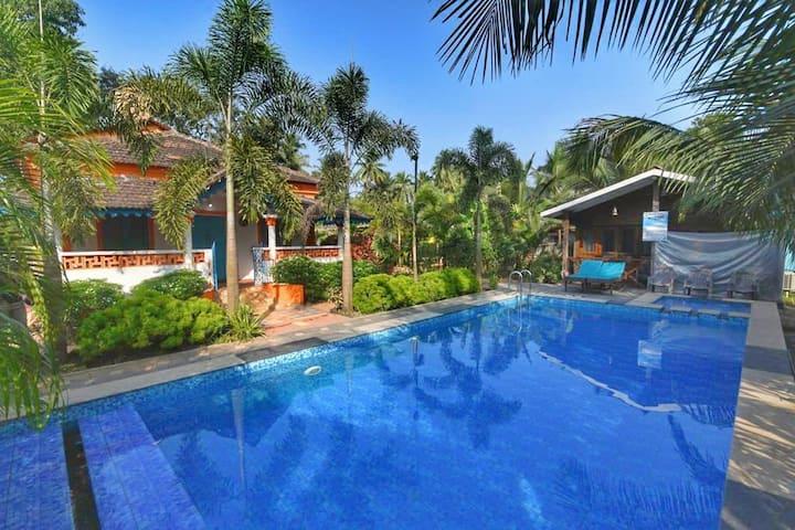 1BHK Luxury Apartment -Pool-AC- caretakers-Wifi