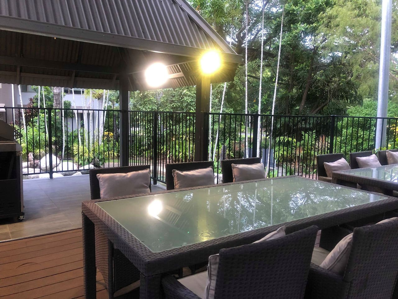 Outdoor Dining, BBQ and pool areas