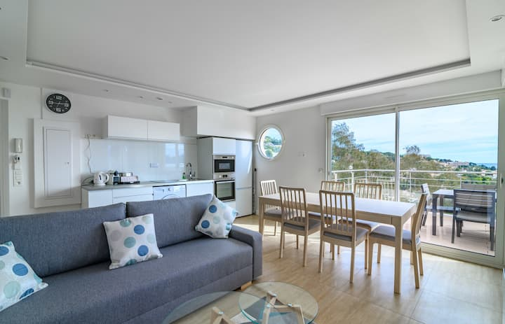 NICE APT 4 PEOPLE IN A RENOVATED RESIDENCE-CANNES