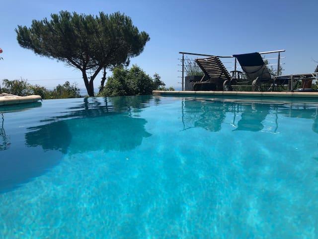 Vence: Studio avec vue mer panoramique, piscine