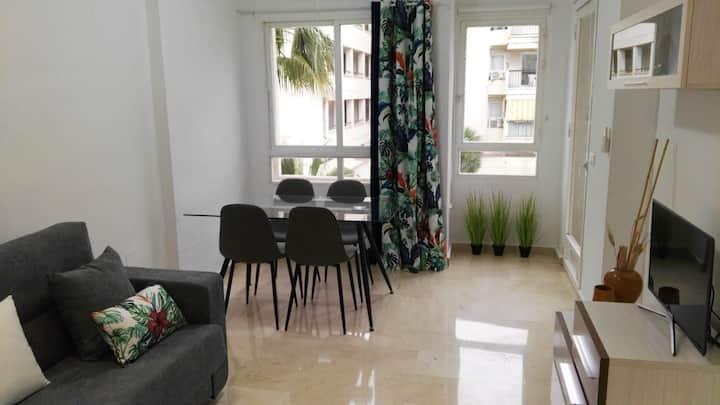 Azul Rentals Albir flat:  walk to beach and shops