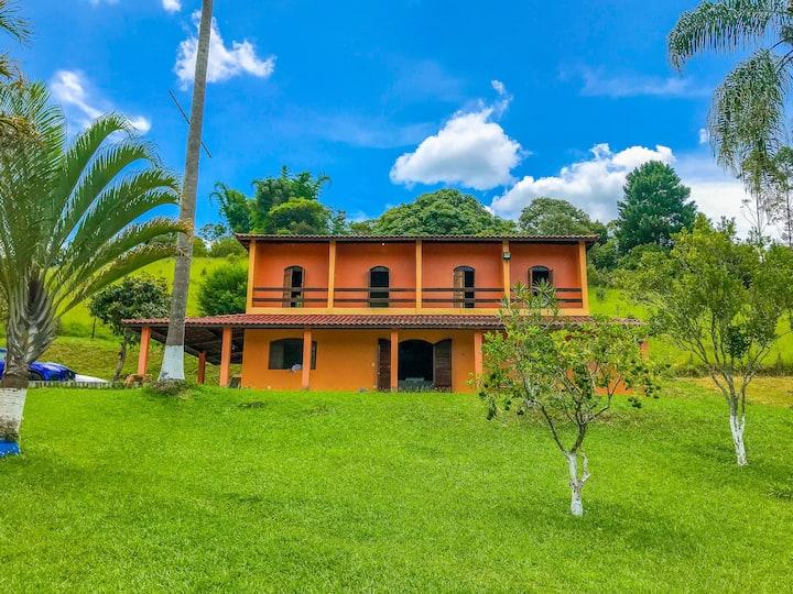 Recanto Chef - Casa com piscina em Biritiba-Mirim