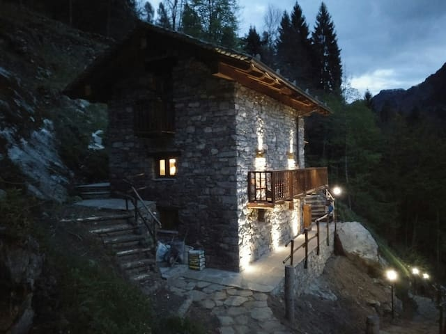 Cosy chalet in Valsesia at the foot of Monterosa - Campertogno - Dům