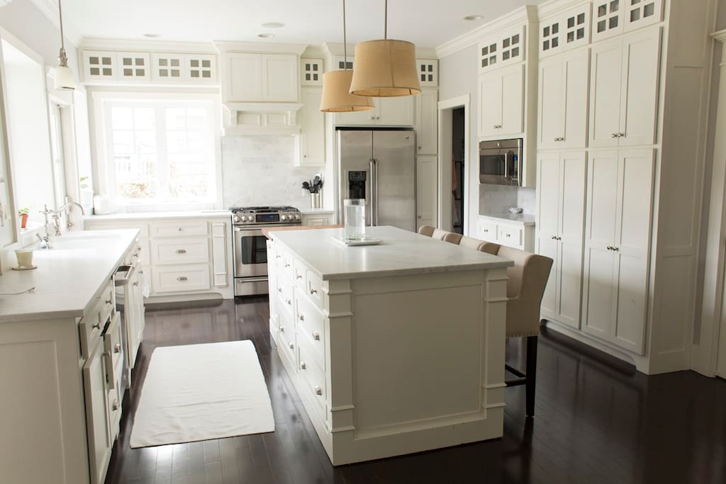 Marble counter tops...a baker's dream!