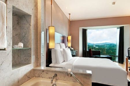 """LTD OFFER"" Luxurious 5* Suite stay in the hub KL - Other"