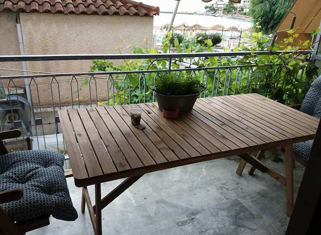 Appartment in Kiveri, next to the sea