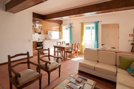Charm house in the city heart - Ponta Delgada - Apartment