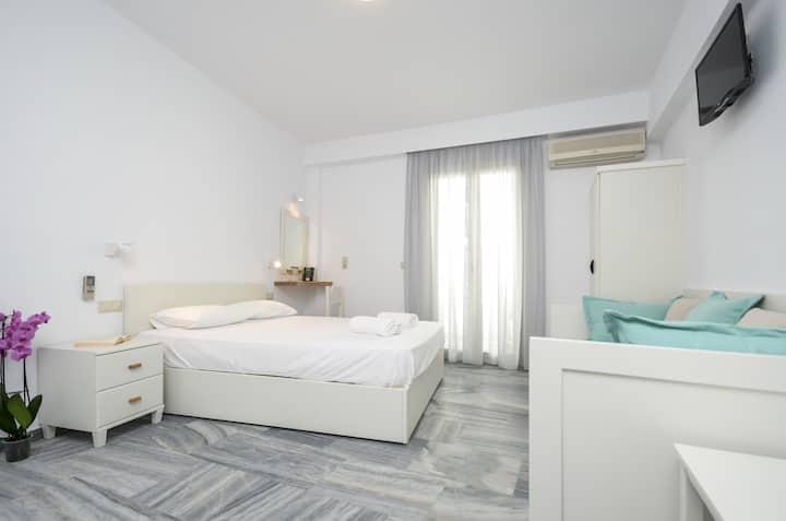 Soula Hotel  Superior Triple Studio with 1Sofa Bed