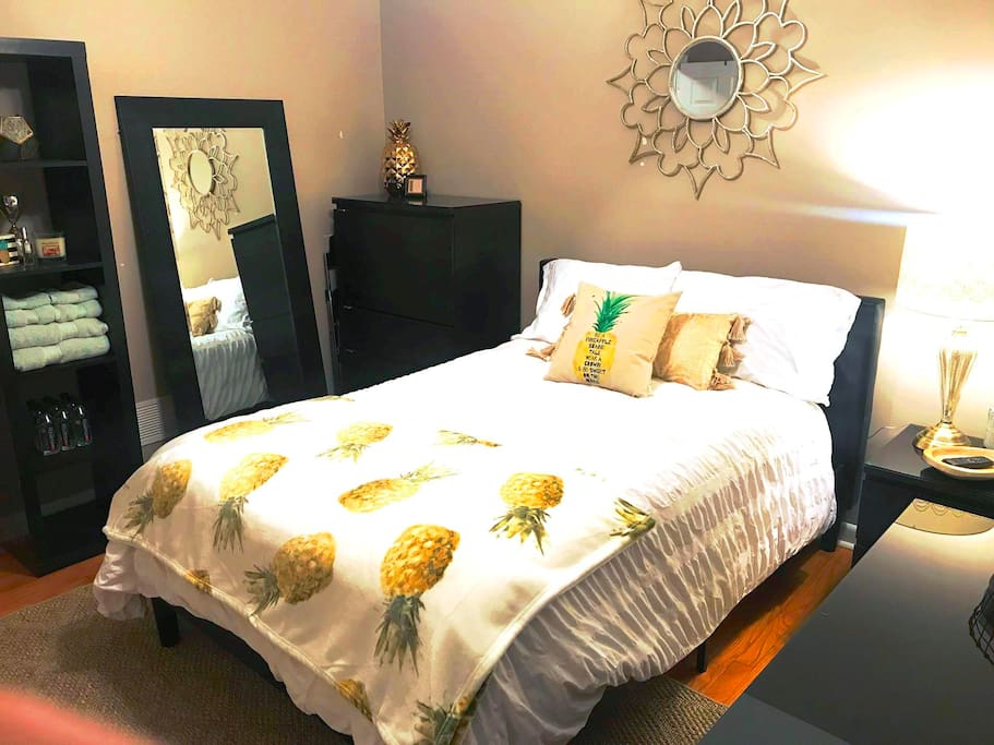 Your vacation Pineapple room.