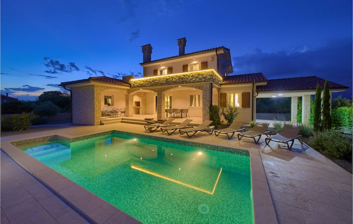 Awesome home in Krk with Outdoor swimming pool and 3 Bedrooms