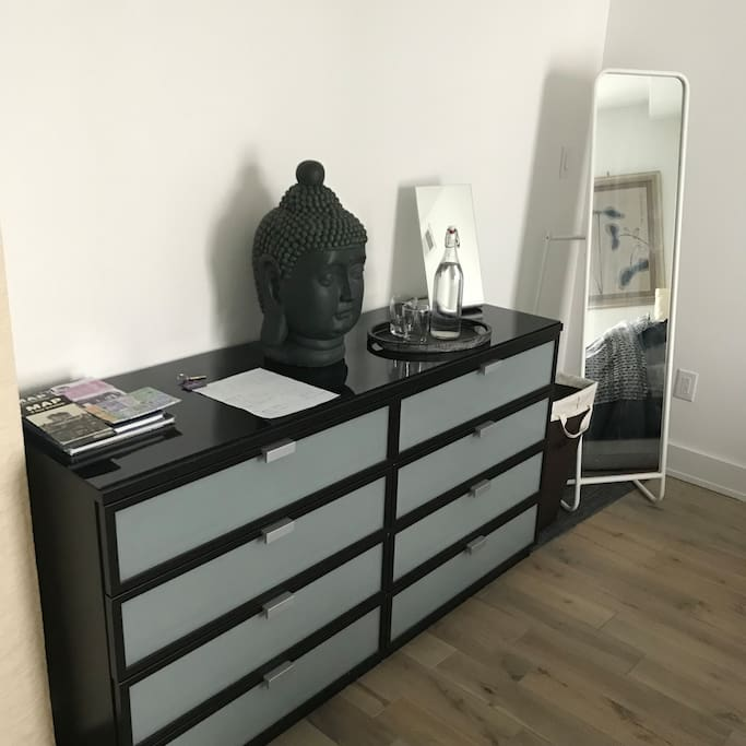 dresser, house rules and filtered water