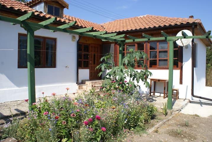 Black Sea Zarjo House