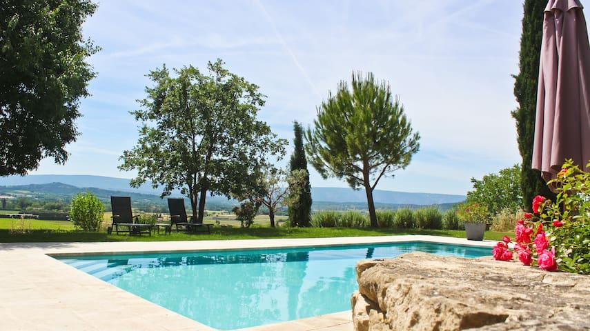 Ancienne bergerie  en Provence