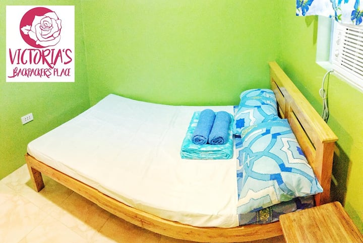 Victoria's Backpacker Place Room#1