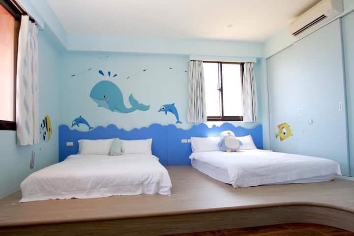 Orange Castle-Ocean Room