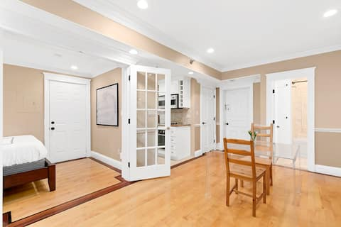 1BD Apt in Back Bay, Isolate by Charles River