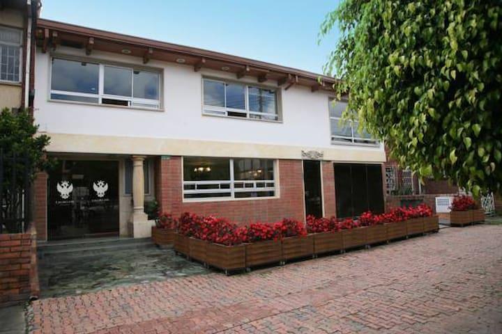 Alojamiento, servicios de Neurospa - Bogotá - Villa
