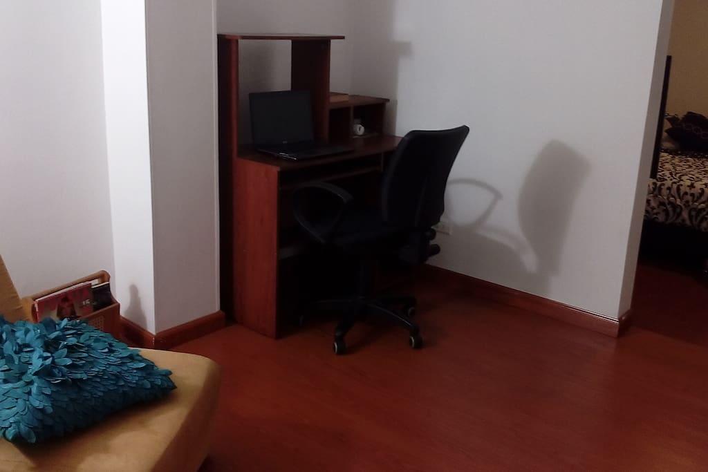 Sala-estudio para trabajar (incluye WIFI)