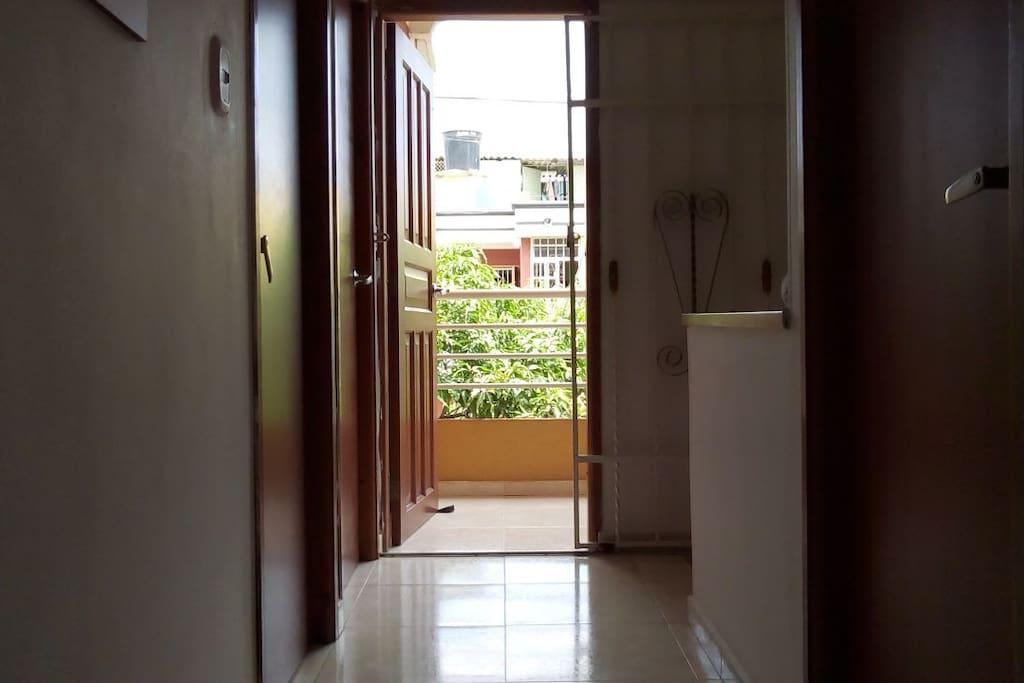 Ambiente familiar, Habitación con Aire Acondicionado , Wifi, baño compartido, TV Claro.